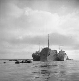 ss ohio et destroyers 15aug42