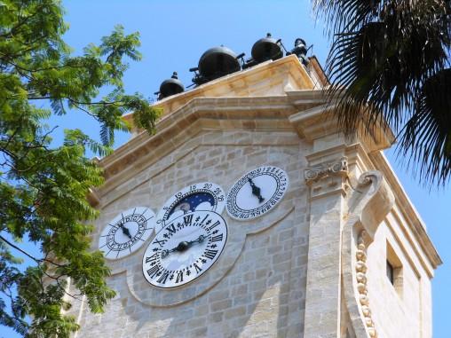 pinto clock